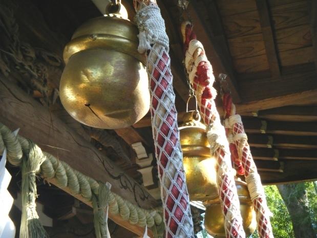 神社の本坪鈴.jpg